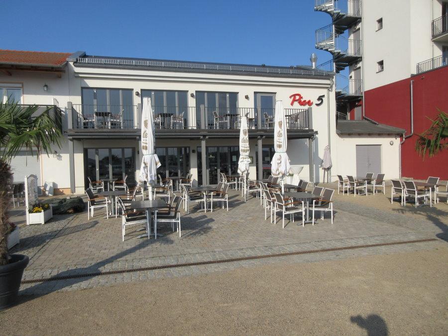 Pier 5 Restaurant